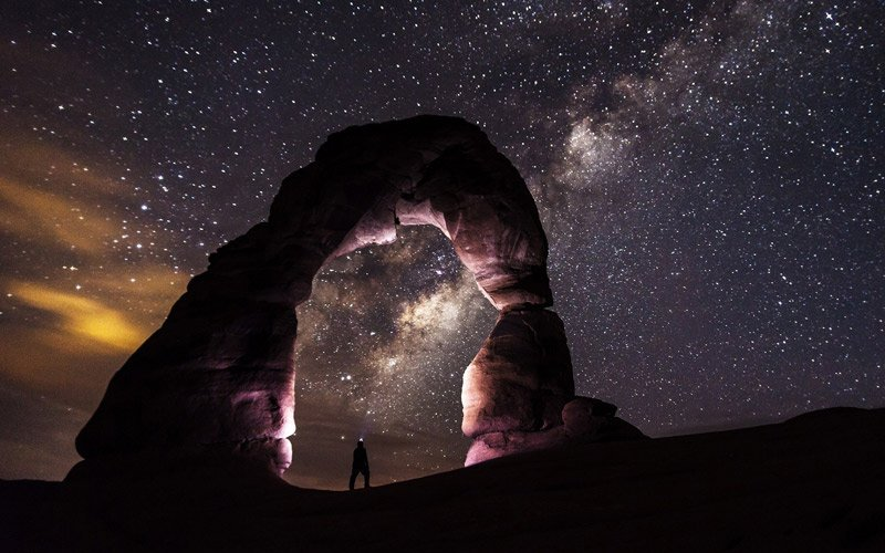 il parco di Arches non chiude di notte…sarebbe un peccato non permetterti di godere di questo spettacolo