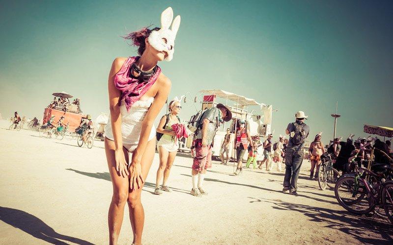 definire il Burning Man è impossibile, ma se trovi i biglietti ti aiutiamo ad organizzarlo