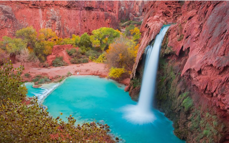 a bit of trekking and then a jump in the splendid Havasupai Falls, in Grand Canyon NP