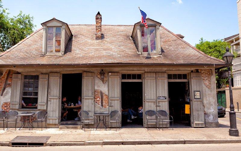 un drink nel bar più vecchio degli States, un tempo proprietà del pirata Lafitte…a New Orleans