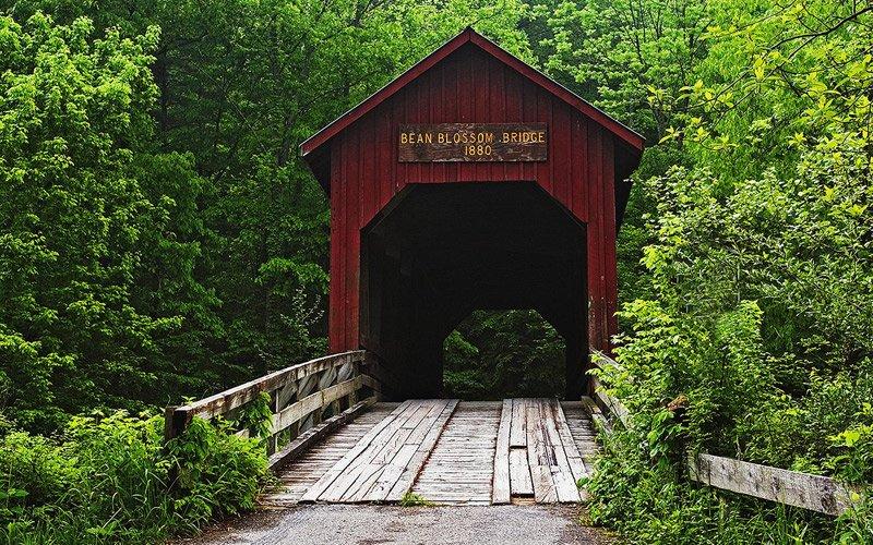 splendidi e romantici, i ponti di legno coperti, tra Indiana e Iowa